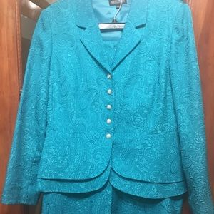 4c0a86083caff Teal two piece knee length skirt suit. Patterned.